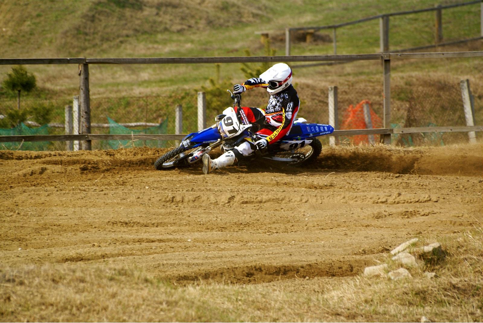 scoala motocross