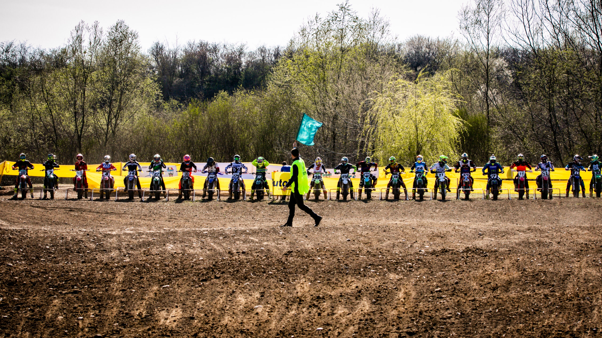 13 piloți ai echipei Top Cross TCS Racing Team sunt pregătiți să ia startul în etapa a doua din Campionatul Balcanic